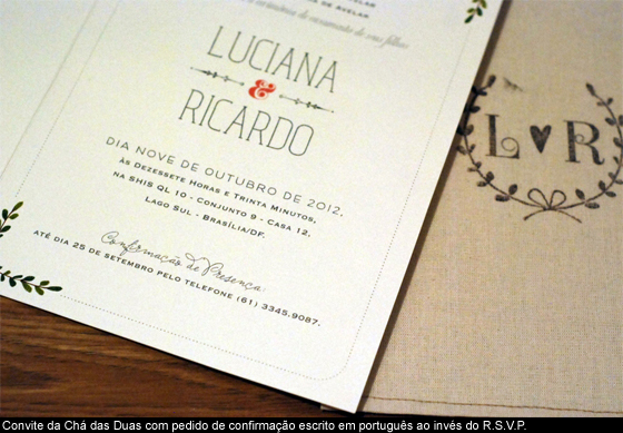 Convite com confirmação de presença RSVP escrito em portugês