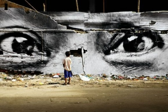 Inside Out Project, JR, fotos em favelas (19)