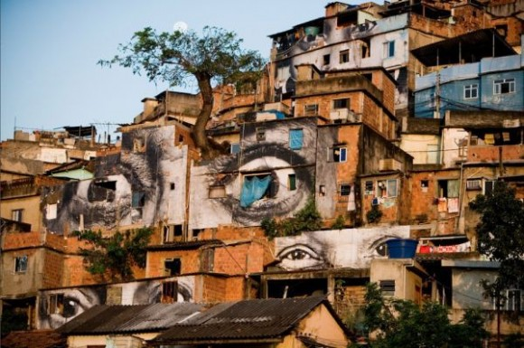 Inside Out Project, JR, fotos em favelas (15)