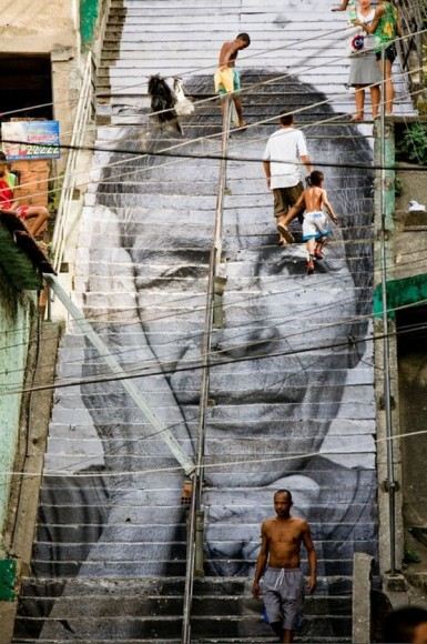 Inside Out Project, JR, fotos em favelas (13)